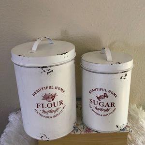 Farmhouse canisters set